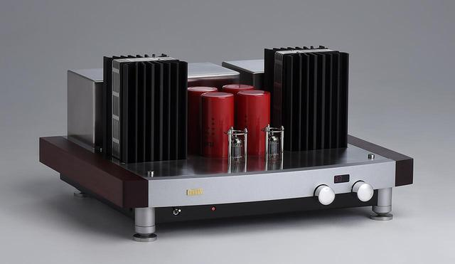 画像: '94年の創業以来、熟成された代表モデルは真空管A級動作+半導体のハイブリッド構成。 色艶のあるオーケストラ描写と、生々しいヴォーカル表現を聴かせる