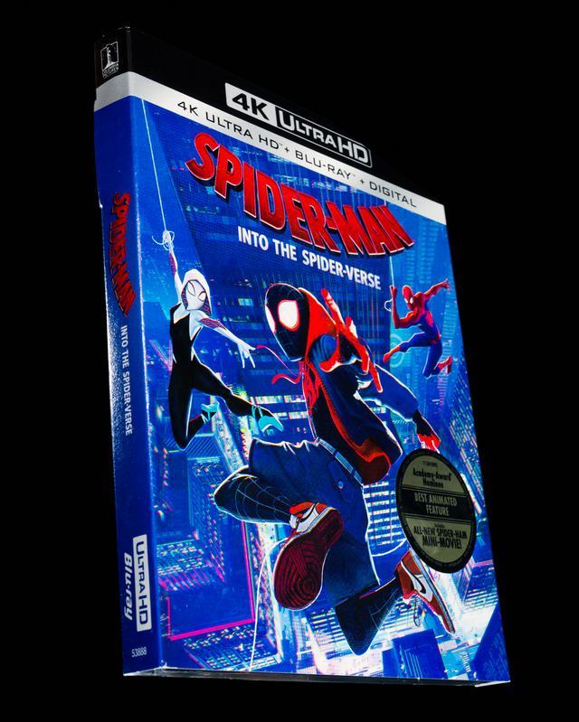 画像: 4K UHD BLU-RAY レビュー『スパイダーマン:スパイダーバース』ボブ・ペルシケッティ/ピーター・ラムジー/ロドニー・ロスマン共同監督 【世界4K-Hakken伝】