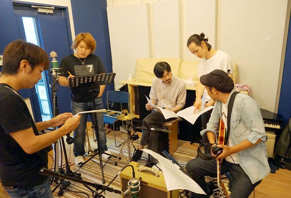 画像: 和田がチャレンジングな作品と語った「SUMMER VIBE」の収録時の様子。同人音楽で初めて768kHz/32bit整数で曲をリリースしたのも彼らBeagle Kickだ
