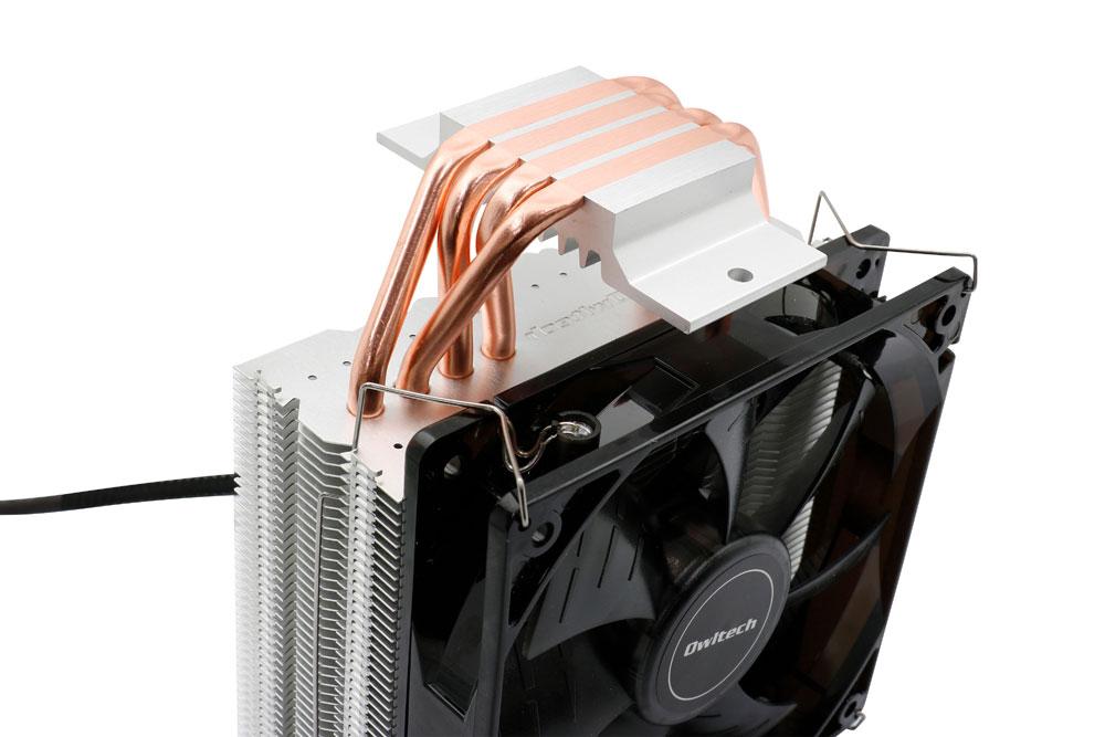 画像: ヒートパイプには、熱伝導率の高い銅を採用(写真はCPUC02)