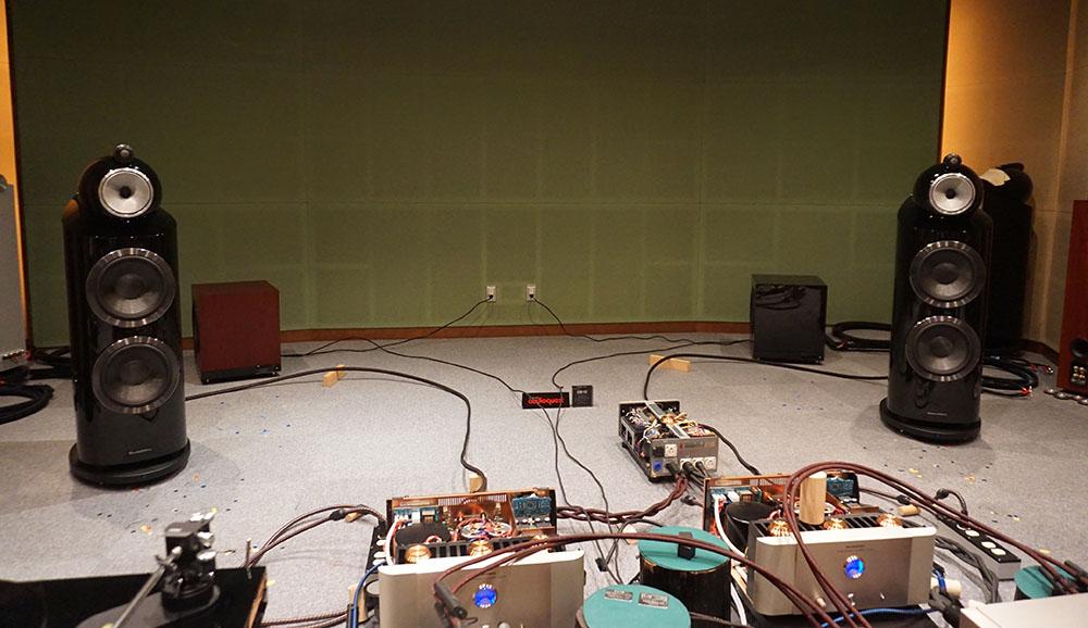 画像3: ディーアンドエムホールディングスが、新製品展示会を開催。オーディオクエストの最上級ケーブル「Dragon ZERO+Dragon BASS Bi-Wire Combination」は3mペアで¥8,320,000