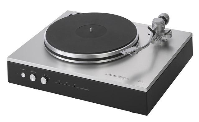 画像: アナログレコードの再生にはラックスマンPD-151(写真)と同社製フォノイコライザーを使用