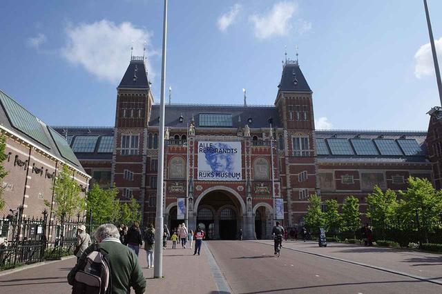 画像: アムステルダム・コンセルトヘボウに対面にあるアムステルダム国立美術館