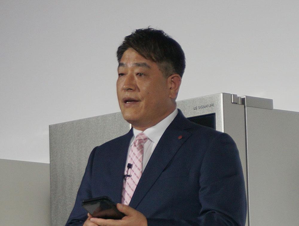 画像: LGエレクトロニクス・ジャパン株式会社代表取締役李栄彩氏。すべて日本語でスピーチをしてくれた