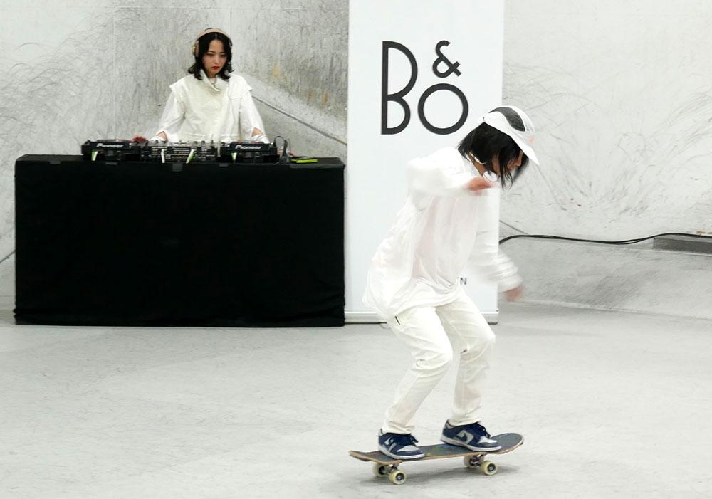 画像: Bang & Olufsen、アクティブなシーンでも安心して使えるワイヤレスイヤホン「Beoplay E8 Motion」「Beoplay E6 Motion」を本日発売。ダンサーを使ったパフォーマンスを披露