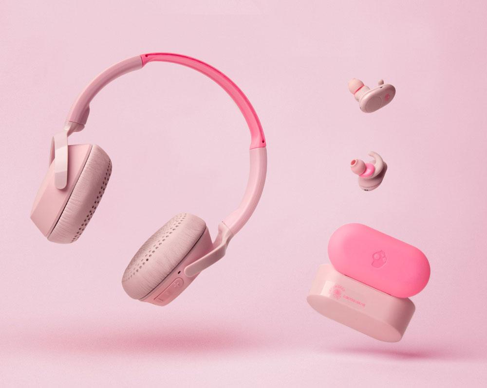 画像: 12MOODSの最新カラーピンクを纏った「Push / Pink」(右)と、「Riff Wireless / Pink」(左)