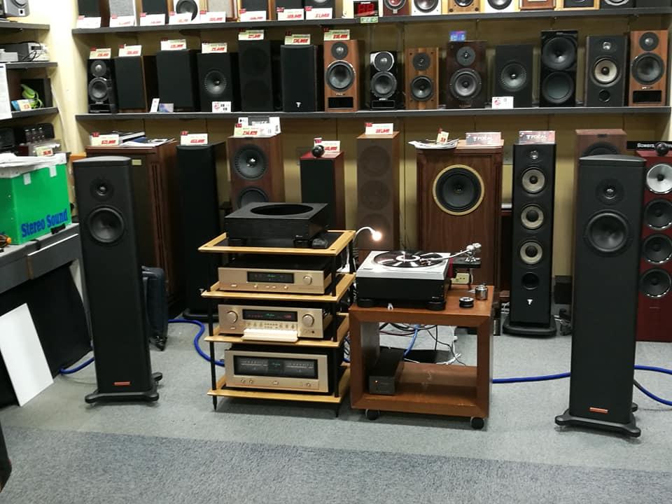 画像: オーディオユニオンお茶の水店にセットされた試聴システムの全貌 www.audiounion.jp