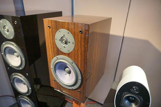 画像: 【クリプトン新製品発表その1】ミドルクラススピーカーKX-3が仕上げを大きく変更してリニューアル。価格はペア38万5千円 - Stereo Sound ONLINE