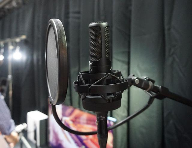 画像: ソニーが26年ぶりに発売したスタジオ収録用コンデンサーマイクの「C-100」。50kHzまで収録でき、ハイレゾ音源制作にも活躍するだろう