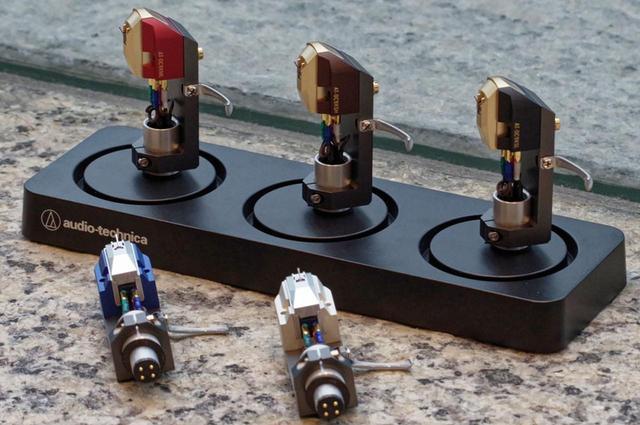 画像: AT-OC9Xシリーズの5モデル。VMのように針先だけの交換はできないが、ヘッドシェルごと交換すれば違いを楽しめる