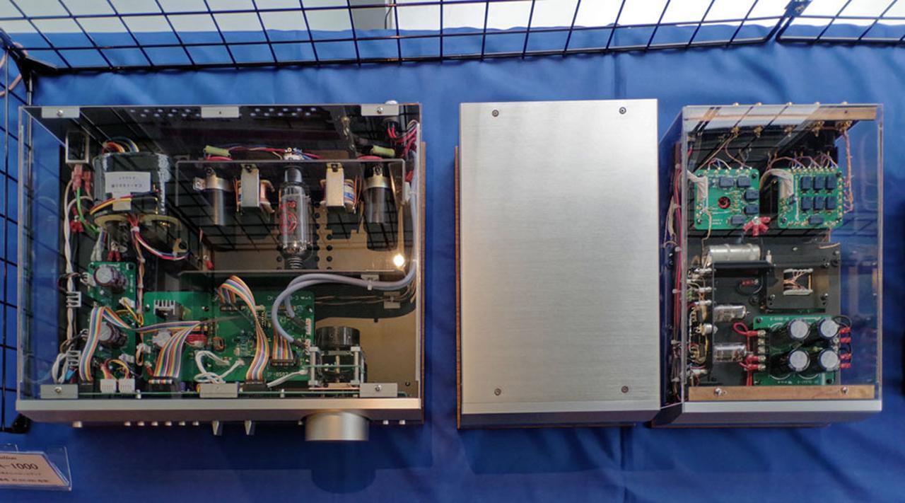 画像: 管球式コントロールアンプ「CA-1000」の内部。アンプ部をL/Rで別筐体とした贅沢な設計思想は「T-2000」等にも受け継がれている