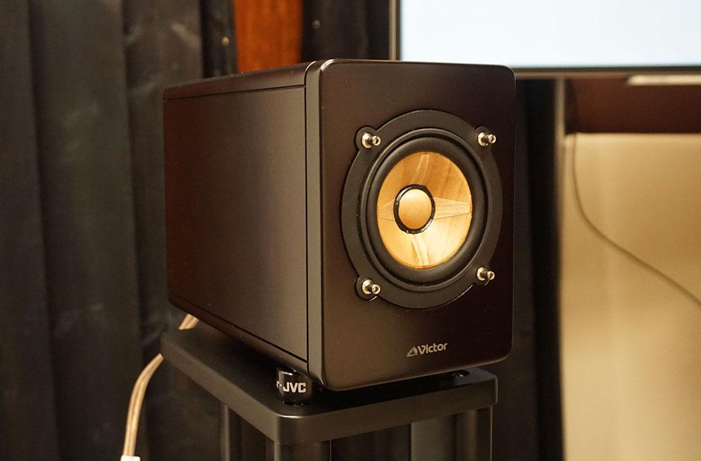 画像: 細かな音質チューンが施された「EX-HR10000」のスピーカー部