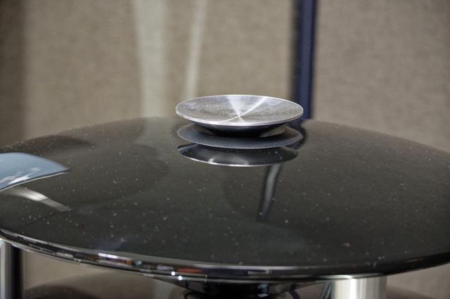 画像: トゥイーター上のウェーブガイドをいわば逆ドーム型にしたのが今回のトピック