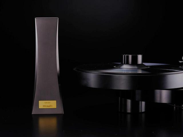 画像: DS Audio、レコード盤の静電気を除去してくれるオーディオアクセサリー「ION-001イオナイザー」を今夏発売 - Stereo Sound ONLINE