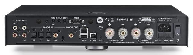 画像: I15 PRISMA ↑アナログ/デジタルの音声入出力端子がズラリと並んだプリメインアンプI15 PRISMAの背面。LANやUSBタイプA端子を使ったネットワークプレーヤー機能(192kHz/24ビット/PCM、5.6MHz/DSDまで対応)のほか、USBタイプB端子を使ったUSB DAC機能(768kHz/32ビット/PCM、11.2MHz/DSDまで対応)を有する