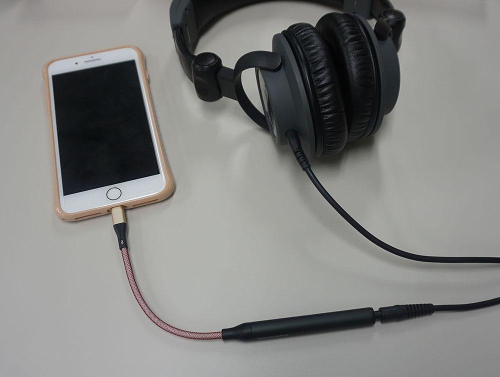 画像: Lightning端子を装備したバージョンの型番は「SPECTRA X2」となる。写真は現在開発中の試作機で、製品版とは仕様が異なる