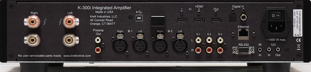 画像: 写真はブラック仕上げのリアパネル。HDMI入出力はHDCP2.2に対応。UHDブルーレイからの4K映像をパススルーすることを確認できた。また、HDMI出力はARCにも対応する。アナログ入力回路は完全バランス構成を採る