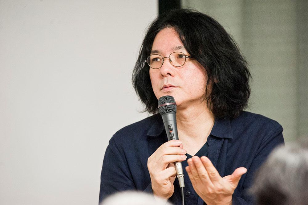 画像: セミナーで講演する岩井俊二監督