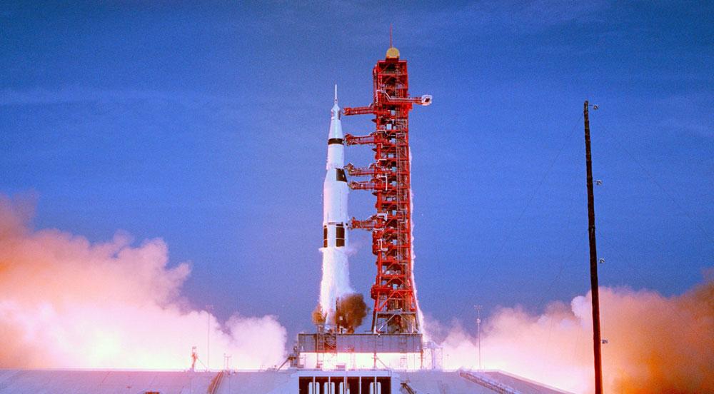 画像1: 月面着陸50周年を記念したドキュメンタリー映画「アポロ11 完全版」、いよいよ7月19日より公開。宇宙飛行士の山崎直子も、当時の貴重な映像に感嘆