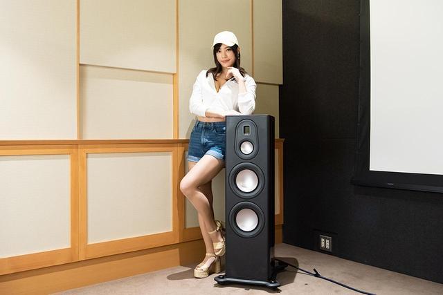 画像: 「星野奏」さん。 日本レースクイーン大賞の2018特別賞受賞者でレースクイーン活動の傍ら、現役の歯科衛生士(国家資格)という異色の女性。今年はSUPER GT「T-DASH JLOC エンジェル」、SUPER FORMULA「2019 YOKOHAMA promotional models」を就任