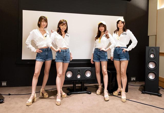 画像: ワイスピガールに就任した左から「清瀬まち」さん、「森脇亜紗紀」さん、「宮本りお」さん、「星野奏」さん。いずれもサーキットの人気者だ