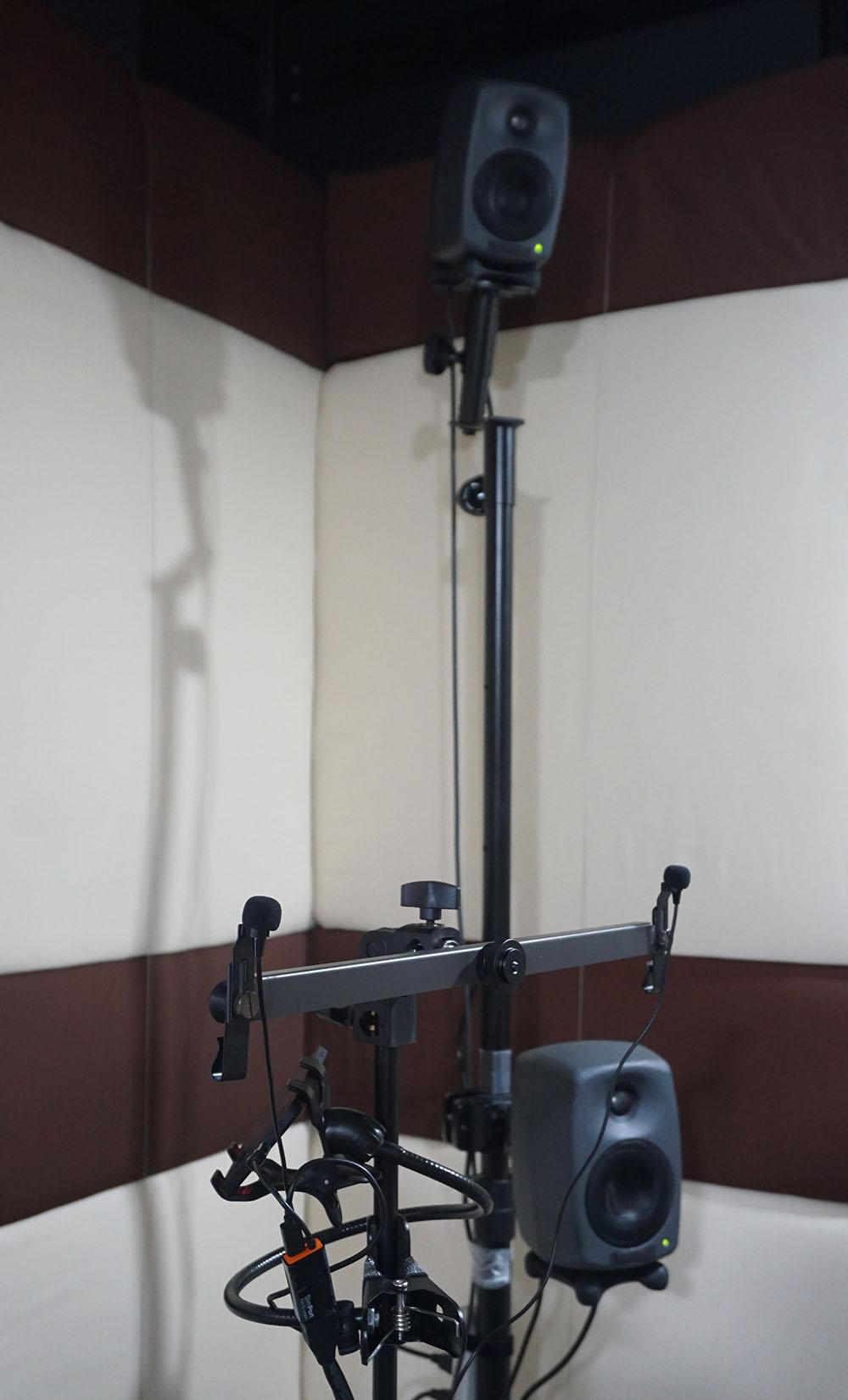 画像: 会場にはアクティブスピーカーを使った2.0.4システムが設置され、マルチチャンネルのシミュレーション体験も可能だった