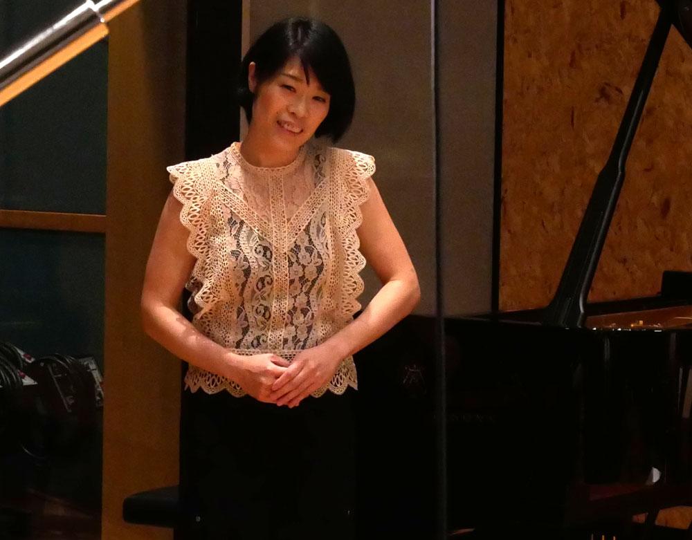 画像: ピアノ奏者の上原彩子氏