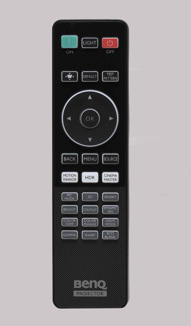 画像: HT5550の付属リモコン。映像調整は「MENU]ボタンからも可能だが、「BRIGHT」「色温度」などの項目を選んでダイレクトに設定もできる