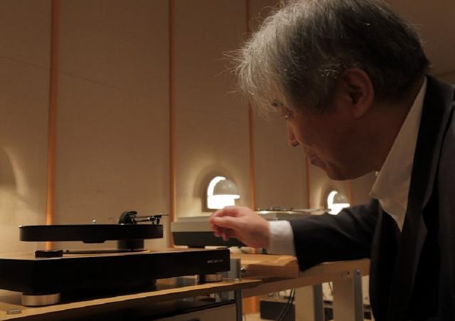 画像: マグレヴオーディオ ML1を試聴する三浦孝仁先生