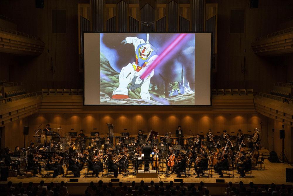 画像3: 冒頭のナレーションから、音楽の迫力に心を奪われてしまう。