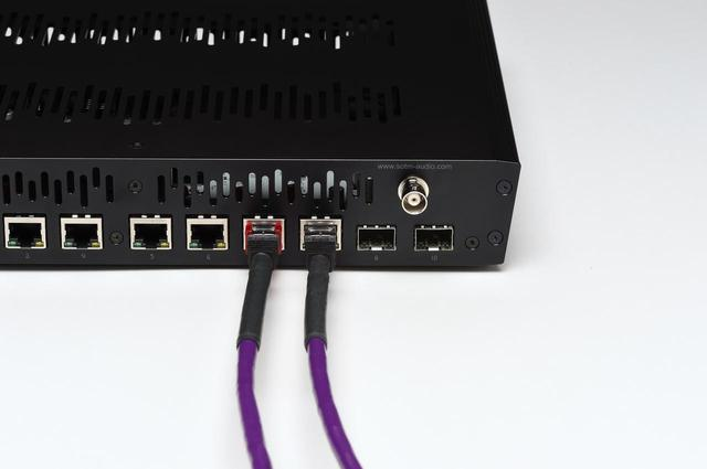 画像: 接続②では、エイム製LANケーブルを使って、sNH-10Gとフィダータのミュージックサーバー(HFAS1-S10)およびX1を接続した