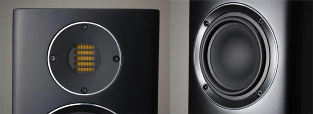 画像: 左がJETフォールデッド・リボン・トィーターで、右はコンパウンド・カーバチュアコーン型ウーファー