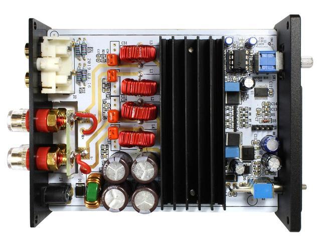 画像: 内部構造。パワーアンプICの「TPA3116」は、中央の黒いヒートシンク下に配置されている