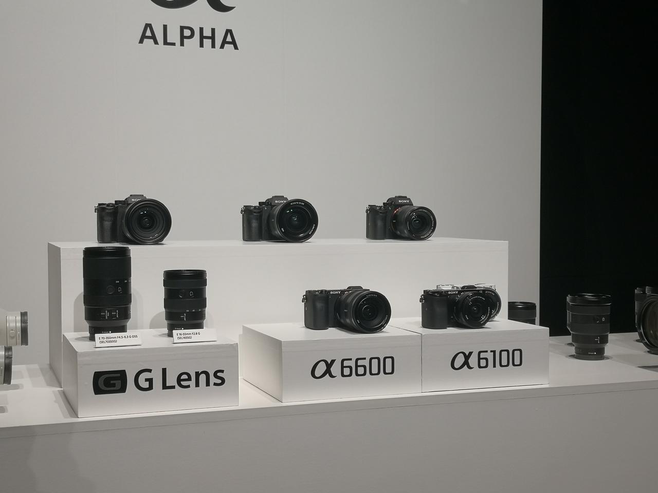 画像: ソニーがAPS-Cセンサーを搭載したミラーレス一眼カメラのフラッグシップモデル「α6600」とスタンダードモデル「α6100」の二機種を発表。同時に2種類の交換レンズの投入も。