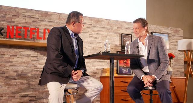 画像: 会見の2部では、井村社長とピーター氏のトークショーも行なわれ、お互いの思想や企業理念に共感を示していた