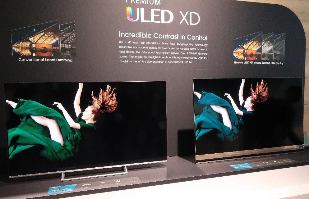 画像: ハイセンスブースでは左のノーマル液晶と右の「ULED XD」液晶テレビを比較