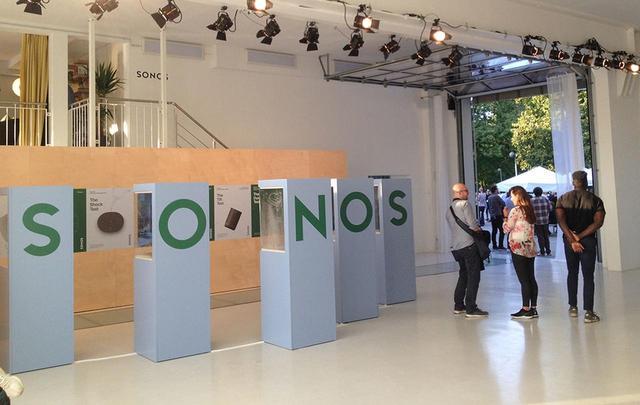 画像: SONOSが、IFA2019に合わせてプライベートショーを開催。Wi-FiとBluetoothを搭載するスマートスピーカー「Sonos Move」を披露した【御法川裕三のIFA2019散策 その16】 - Stereo Sound ONLINE