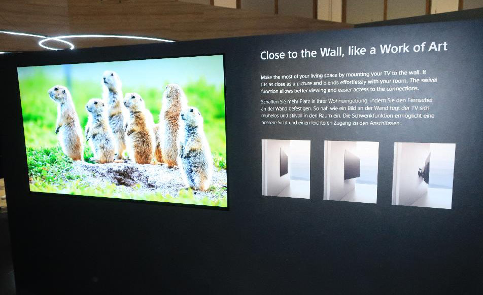 画像: 有機ELテレビは壁掛けが似合う