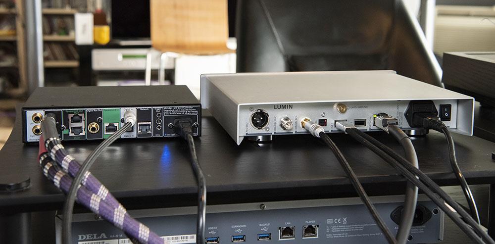 画像: Meridian 218はUSB入力を搭載していないので、今回はU1 MINIと同軸デジタルで接続した。この状態で、MQA音源をフルデコードしたクォリティで楽しめる(U1 MINIの出力設定に注意すること)