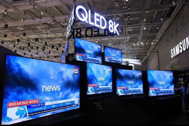 画像: サムスンエレクトロニクスのブースは8Kの大宣伝