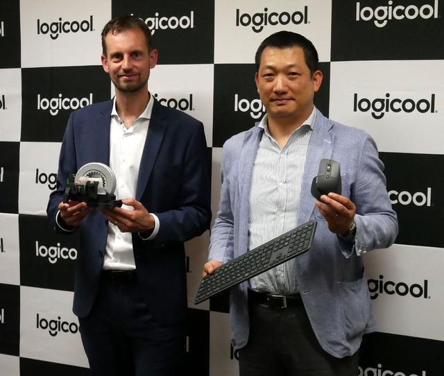 画像: 右はロジクールのクラスタカテゴリーマネージャーの室井祟裕氏