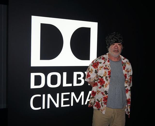 """画像2: 都内初のドルビーシネマ専用館丸の内ピカデリーで、『ジョーカー』を最速体験。作品の内面にまで描き出す""""絵""""と""""音""""のクォリティに、思わず……"""