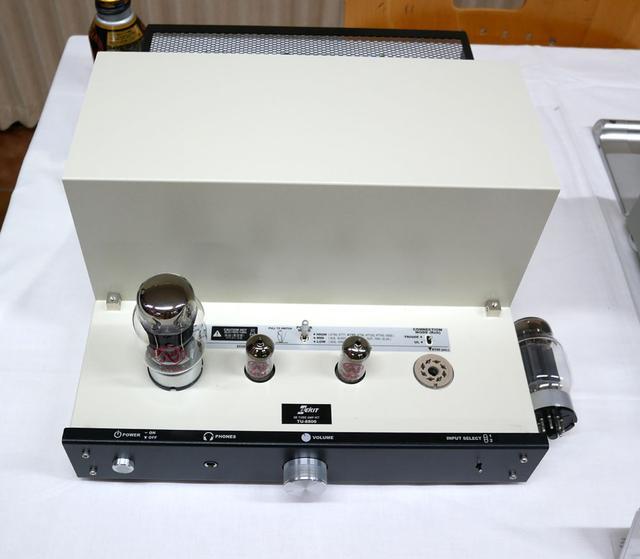 画像: ▲12.5W+12.5Wの出力を持つ真空管アンプ(キット)「TU-8800SV」