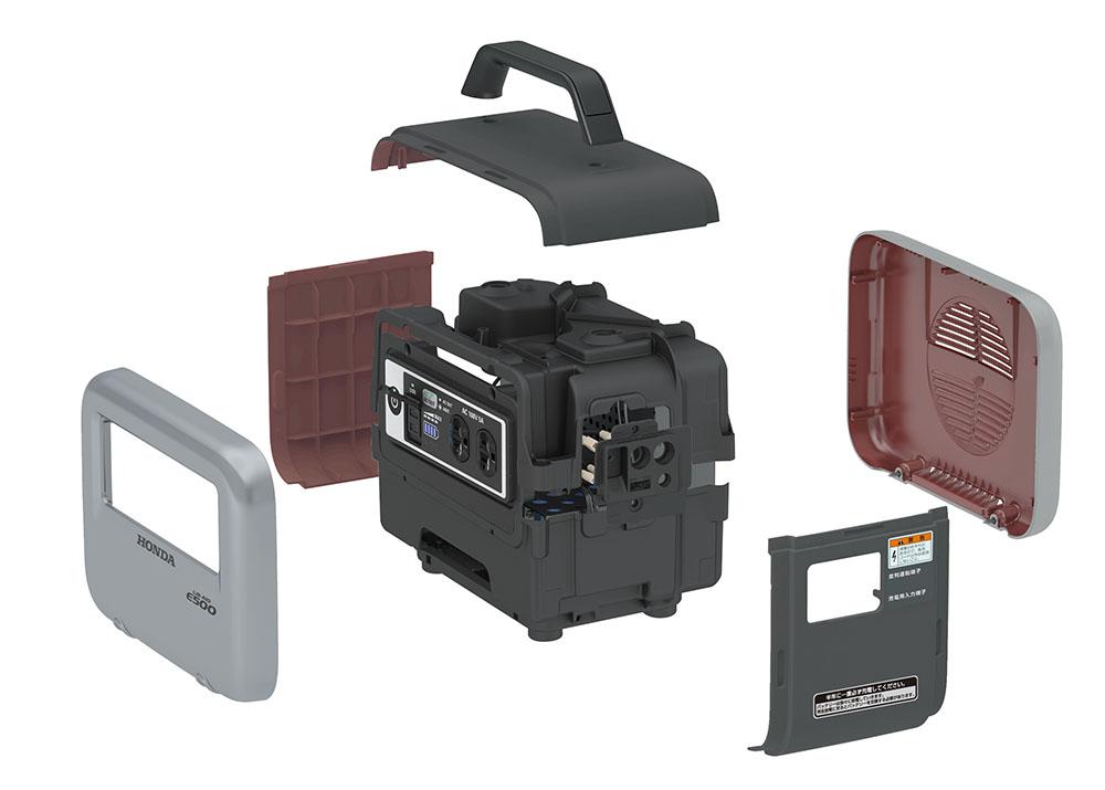 画像: ボディの裏側には電磁波シールド材も取り付けられている