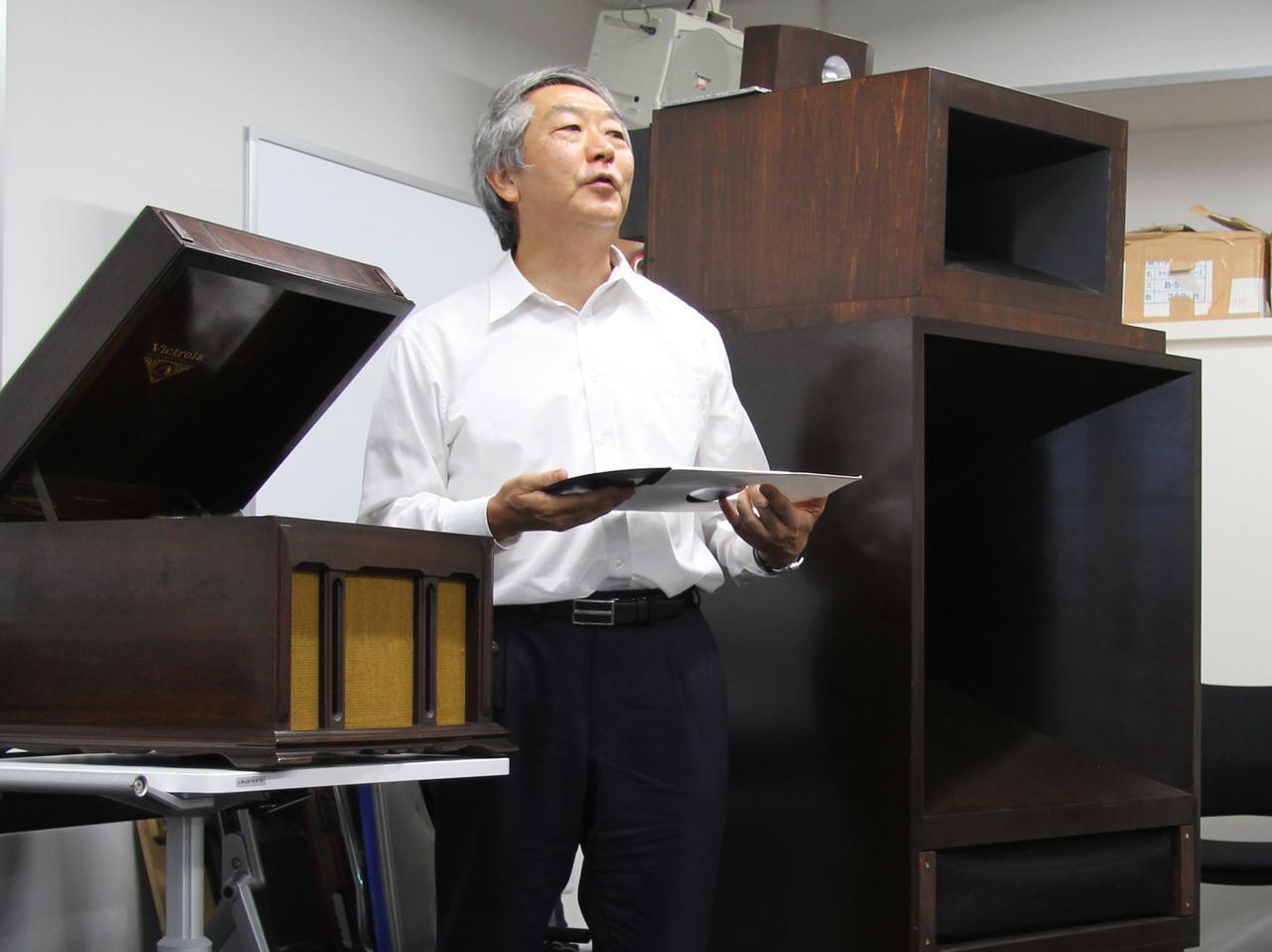 画像: ▲デモも行なう真空管研究家の岡田 章氏
