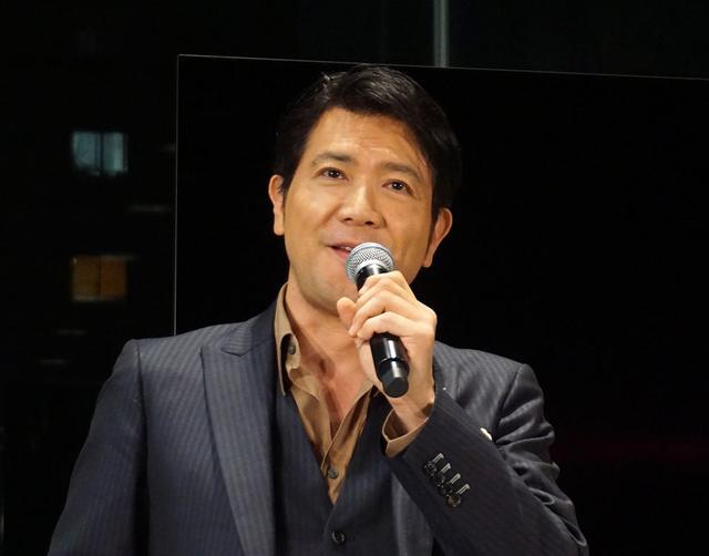 画像: トークショウの司会を務めた、俳優の別所哲也氏