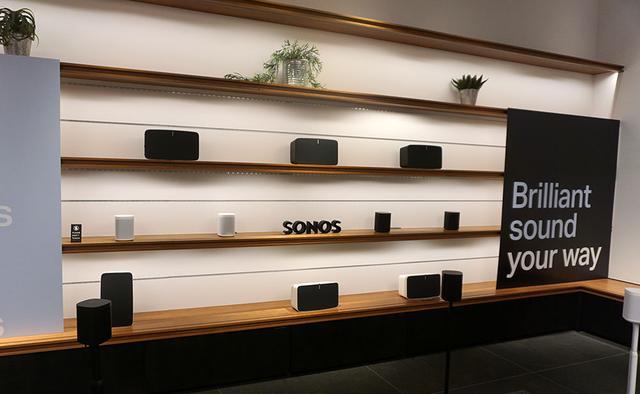 画像: 大型モデルの「Sonos Play:5」もディスプレイ