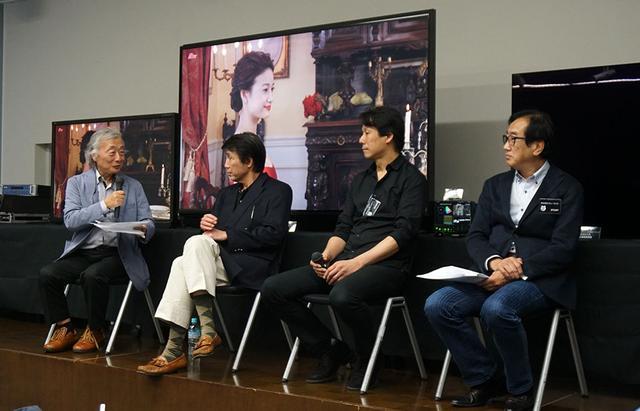 画像: トークセッションの様子。左から麻倉さん、小倉さん、今塚さん、小池さん