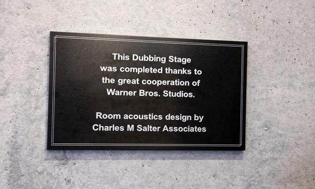 画像: ダビングステージ`1の入り口に掲げられたプレートには、ソルター社の設計である旨が記されている