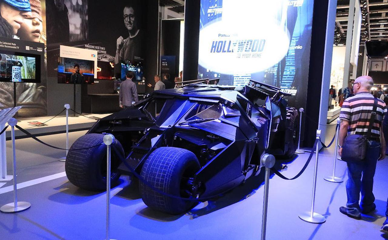 画像: IFAパナソニックブースに展示された本物のバットマンカー
